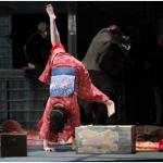 舞台「放浪記」仲間由紀恵 着物で側転。着物で動きやすくなるワザ。