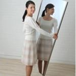 割れない軽量な鏡。姿見・着付けチェック用に。