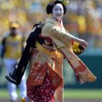 舞子さんが始球式